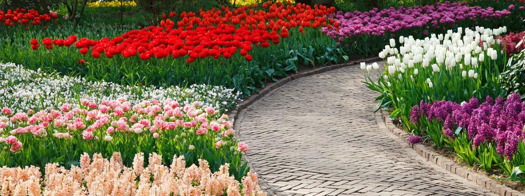 Realizzazione pavimentazione giardino sul blog di Atelierdimensioneverde.it
